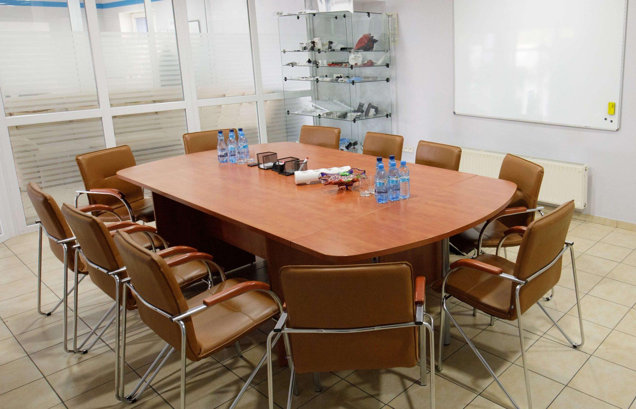 Office - injection molding machine, injection molding, production of details, plastics, wtryskarka, wtryski, produkcja detali, tworzywa sztuczne,