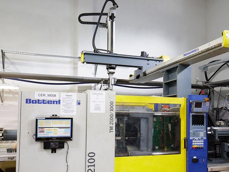 injection molding machine, injection molding, production of details, plastics, wtryskarka, wtryski, produkcja detali, tworzywa sztuczne,