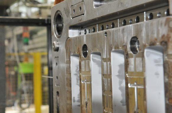 Tools- injection molding machine, injection molding, production of details, plastics, wtryskarka, wtryski, produkcja detali, tworzywa sztuczne,